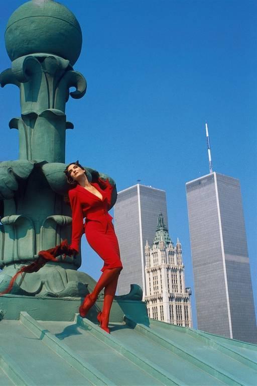 Moda y rascacielos, obsesión de finales de los años 80 e inicios de los 90. Fotografía por Thierry Mugler